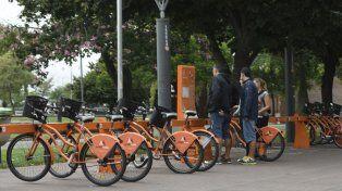 Para todos. Las bicicletas públicas buscan llegar a toda la ciudad.