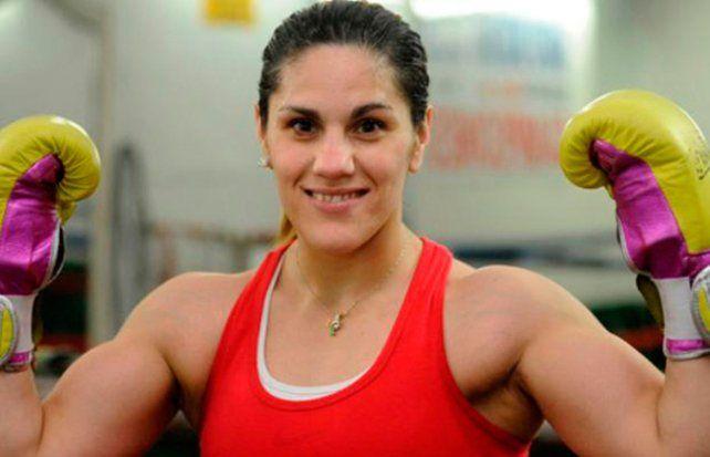 La Leona Bustos sube al ring en busca de la corona superligero del CMB de boxeo