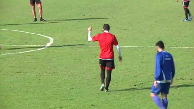 La Fiera Rodríguez acaba de marcar un golazo que puso a su equipo 1 a 1 con Rafaela.
