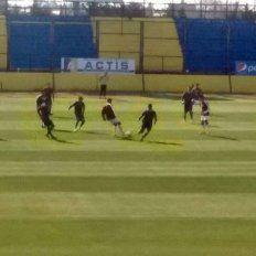 El partido se juega en las instalaciones de Arroyo Seco