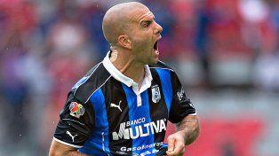 Tito Villa marcó un doblete y se convirtió en el máximo goleador de la historia de Querétaro