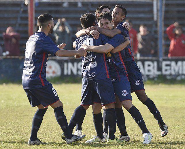 Sacó rédito. El equipo de Santángelo se impuso el sábado 2 a 1 en el Gabino Sosa