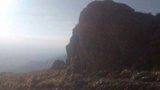 La zona donde falleció el turista al caer desde una roca.