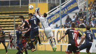 Newells venció a Central por penales y se clasificó a la semifinal de la Copa Santa Fe