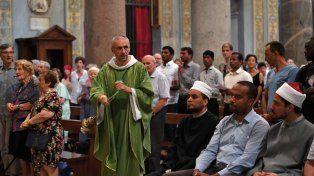 todos juntos. Misa en Santa María en Trastevere