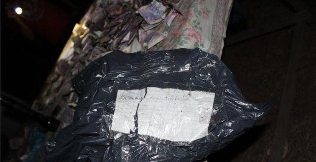 Volvieron a su casa y se encontraron con casi medio millón de pesos y un mensaje llamativo