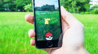 La locura por Pokémon Go llegó a Roldán: la emoción de tres chicos al atrapar a Pikachu