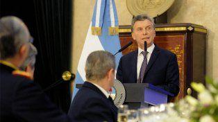 Macri llamó a las Fuerzas Armadas a cumplir un rol preponderante en esta nueva etapa