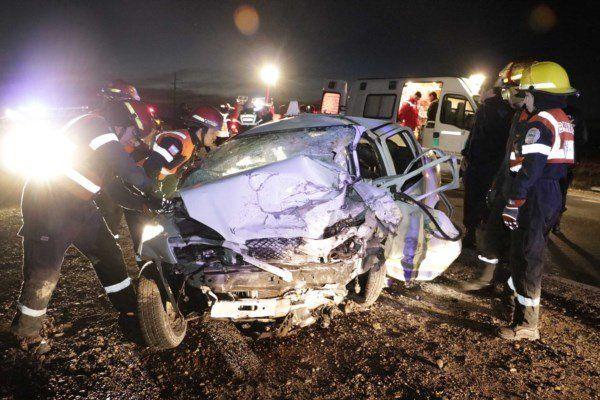 Escena. El auto que manejaba Falucho y en el que también falleció uno de sus cómplices.