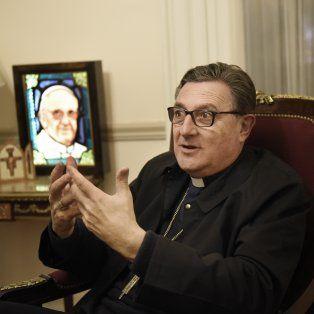 Como dijo el Papa, siempre hay una mano para tender alimentos, dijo el arzobispo.