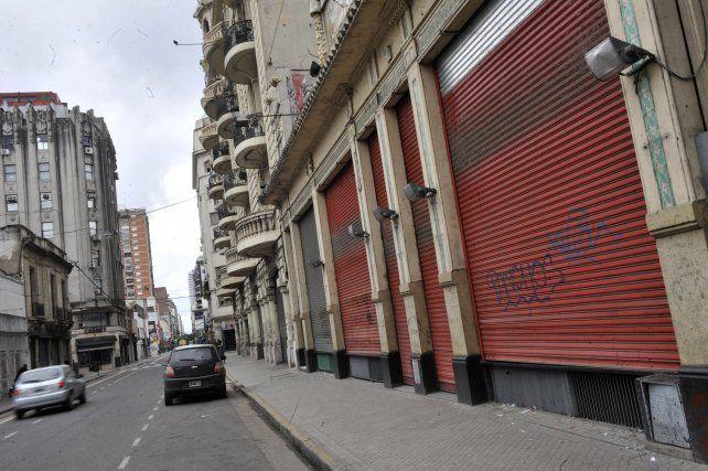 Puerta cerradas. Las cadenas de supermercados en Rosario aseguraron que enviarán en las próximas horas 119 telegramas de despido.