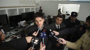 Éxito. El ministro Pullaro y el comisario Corbellini delante de todo lo recuperado.
