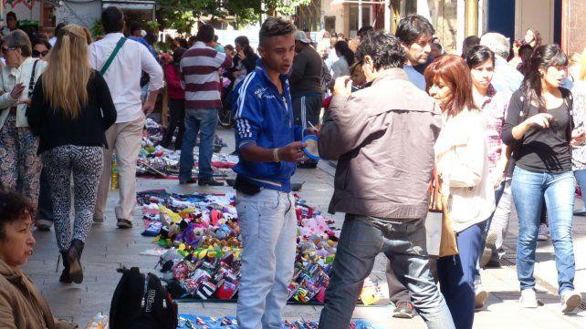 La iniciativa que se discute en el Concejo impone otra norma para los vendedores ambulantes