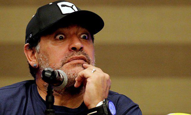 Escandalo!! Maradona pide a hacker foto de Rocio y Centurión