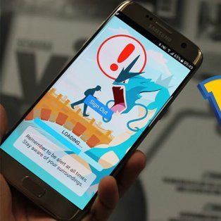 dos motochorros le arrebataron el celular a un chico que jugaba a pokemon go