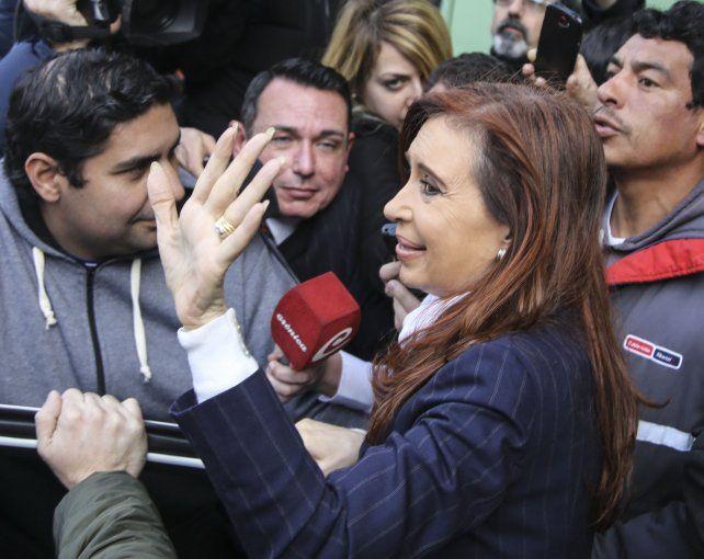 Cristina Kirchner dijo que Stolbizer y el juez Bonadio montaron un gran escenario desde el cual filtrar en forma periódica y sistemática calumnias en su contra.