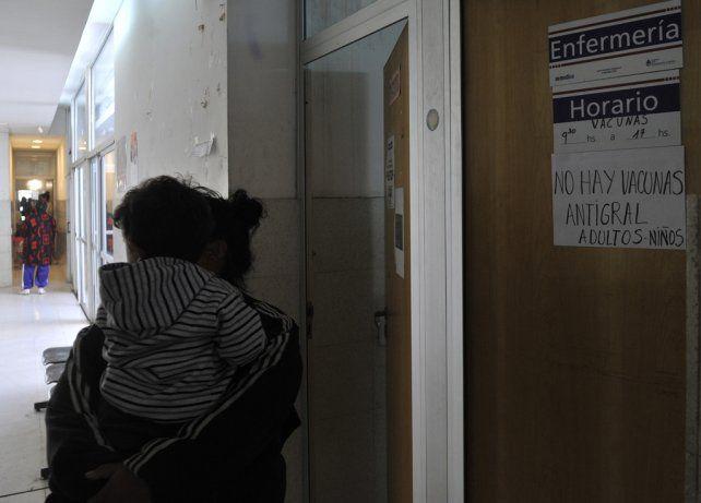 en espera. La demanda crece en Rosario y en la actualidad el 50% de la población se atiende en la salud pública.