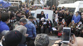 Hebe de Bonafini leyó un descargo en la Plaza de Mayo