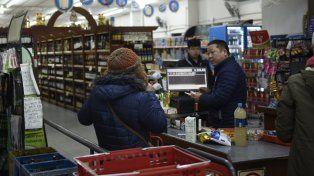 Los supermercadistas chinos estudian adherirse al descanso dominical