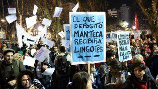 Rosario redobló la apuesta y salió masivamente a la calle en el segundo ruidazo contra los aumentos