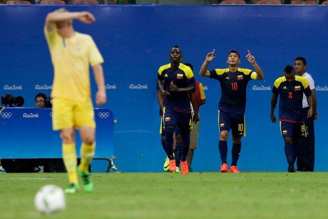 A la espera de la firma con Central, Teo Gutiérrez convirtió en el empate de Colombia