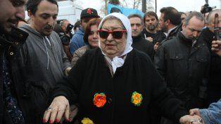 movilizados. Dirigentes kirchneristas y militantes respaldaron a la presidenta de Madres de Plaza de Mayo.