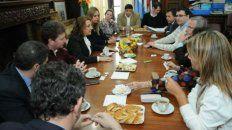 La foto de la reunión fue publicada por la propia intendenta en su cuenta de Twitter.
