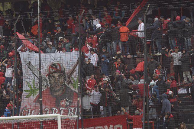 Los incidentes vinculados con la hinchada de Newells hicieron que el partido con Morón se juegue con público rojinegro.