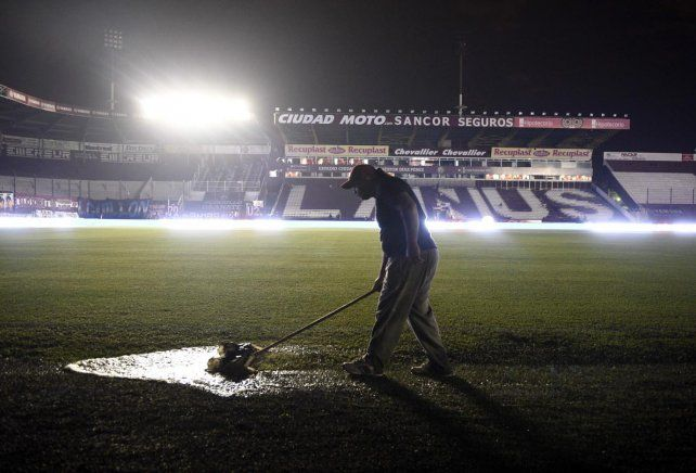 Panorama desolador. El estadio de Lanús no tendrá hinchas el miércoles por la noche por la Copa Argentina. Sólo estarán los jugadores leprosos y del gallito.