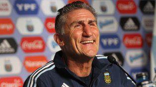 Felicidad. El Patón arrancó su ciclo como entrenador de la selección.