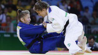 Pareto venció a la rusa Irina Dolgova en el arranque de su camino hacia la medalla dorada.