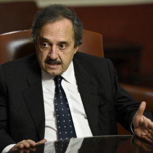 Los radicales tienen que conservar, cuidar y enriquecer al Frente Progresista en Santa Fe, dijo Ricardo Alfonsín.