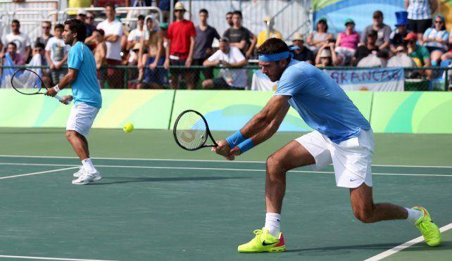 Firme. Del Potro ganó ayer con Machii González por la primera ronda del dobles. El tandilense se mostró suelto.
