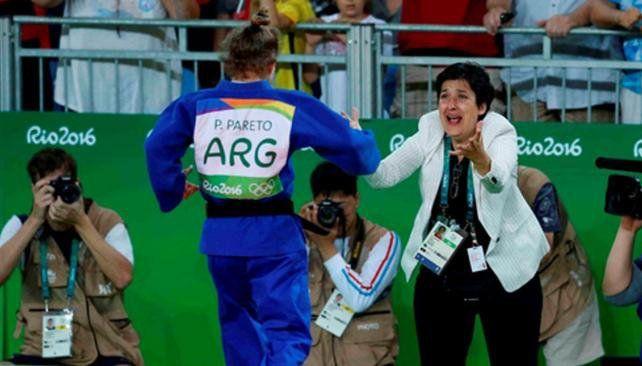 Sos leyenda, le dijo la entrenadora a Paula Pareto