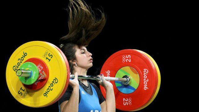 La pesista rosarina Joana Palacios mostró sus credenciales en su debut olímpico