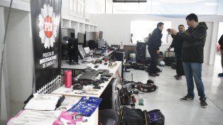 Secuestro. Parte de los objetos recuperados por la PDI en los allanamientos.