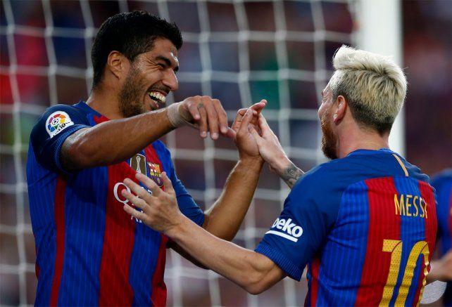 Bauza fue a ver a Messi, que hizo dos golazos en un amistoso de Barcelona