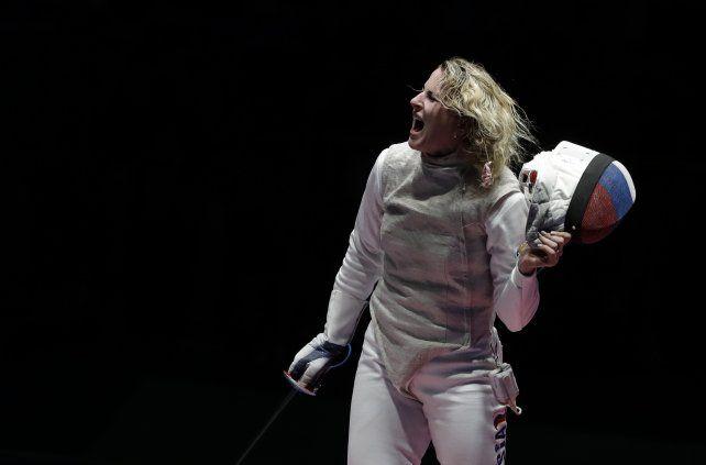 La esgrimista rusaInna Deriglazova en pleno festejo.