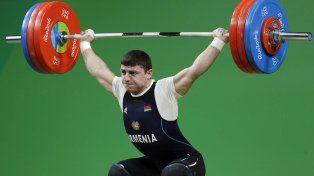 Terrible lesión de un atleta armenio en halterofilia