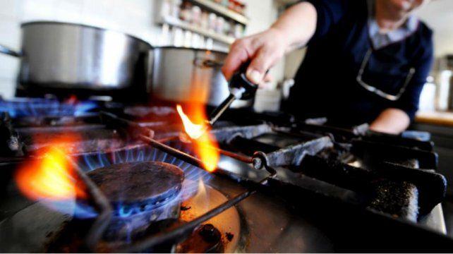 Aranguren garantizó el servicio de gas natural para el 40 por ciento de la población de bajos recursos.