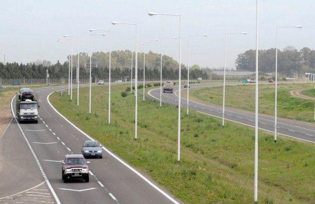 Vecinos de Correa cortaron Ruta 9 y autopista a Córdoba en reclamo por mal estado del asfalto