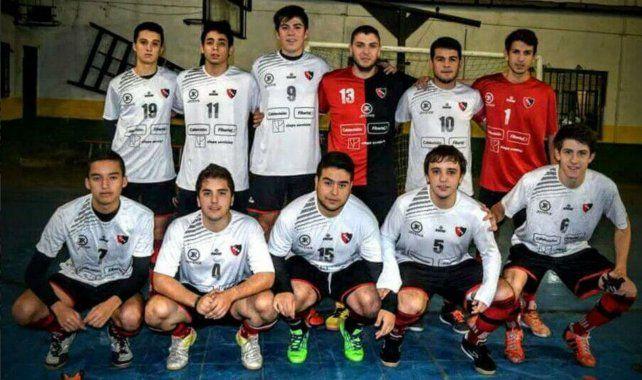 Fabrizio (Nº4) en el equipo de Arofusa de Newells.