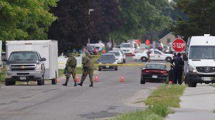 Seguimiento. Los agentes localizaron al terrorista en un taxi frente a su casa. El joven se resistió y detonó explosivos.