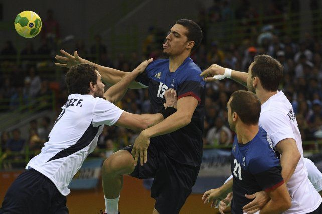 Los Gladiadores perdieron ante Francia y ya no dependen de sí  mismos para clasificar a cuartos en Río 2016
