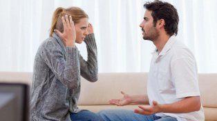 Un fallo judicial estableció que en el matrimonio es lícito que uno de los cónyuges revise el teléfono de su pareja