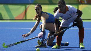 Carla Rebecchi disputa la bocha con Sunita Lakra