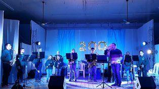 Perla del sur. El himno fue estrenado por integrantes de la Escuela de Música.