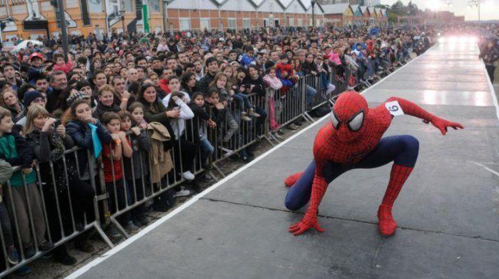 Con el desfile mutantes y superhéroes, cierra hoy la convención de historietas