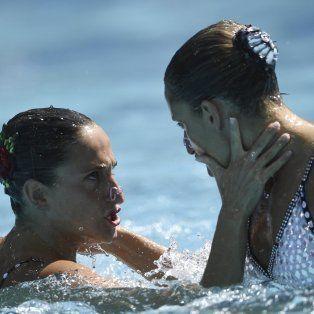 las mellizas rosarinas etel y sofia sanchez, decimonovenas en las preliminares de nado sincronizado