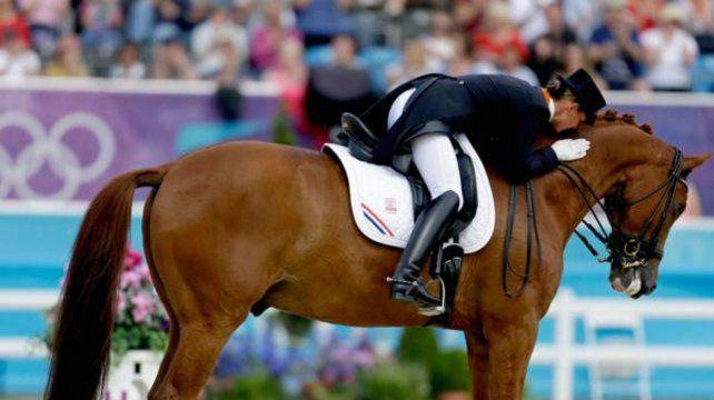 Una holandesa decidió retirarse de los Juegos Olímpicos para salvar a su caballo